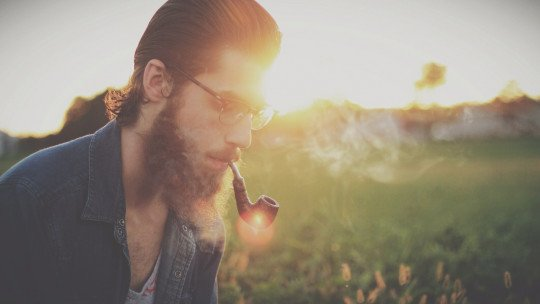 Men with beards are more attractive and flirt more