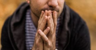 How to stop thinking so much: 10 tips against rumination
