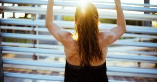 How to improve your back posture, with 4 simple exercises