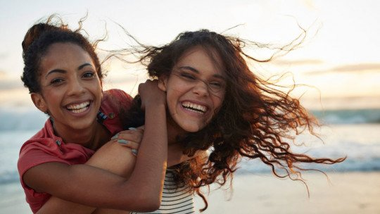 How to Have Healthy Friendships: 10 Effective Tips