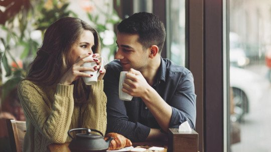 How to communicate better in a relationship: 9 tips