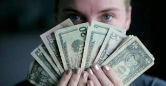 Does money make you happy? A reflection on mental well-being