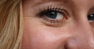 How do you get rid of crow's feet? 8 effective methods
