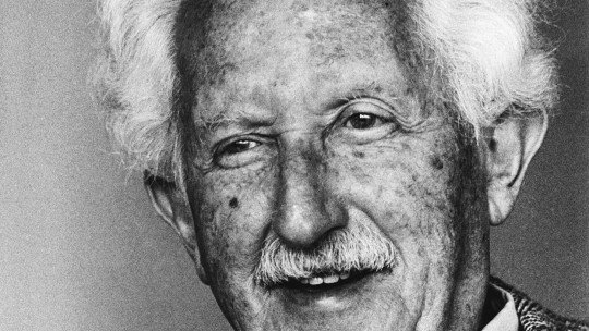 Erik Erikson's Top 30 Quotes