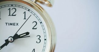 8 psychological strategies for getting up early