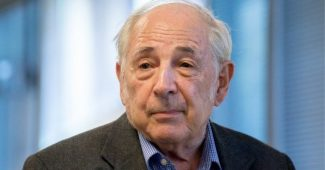 John Searle: biography of this influential philosopher