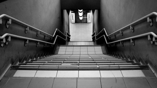 Fear of stairs (batmophobia)-symptoms