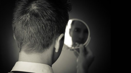 Fear of mirrors (catoprophobia)-causes