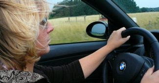 Women are better at driving, study shows