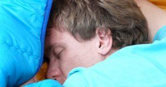 Somniloquia: symptoms and causes of this parasomnia