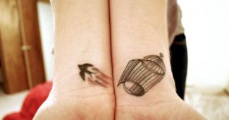 30 small tattoos to show off on your skin
