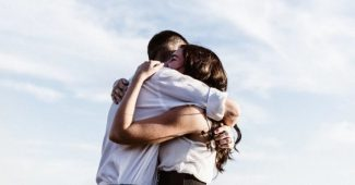 How to feel love for your partner like the first day