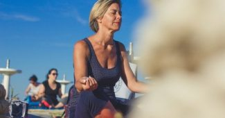 Passive yoga: discover the benefits of stretching